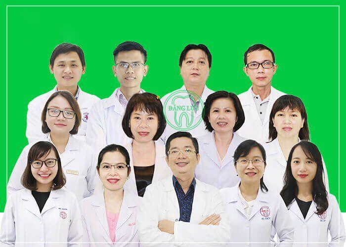 bác sĩ cấy ghép Implant
