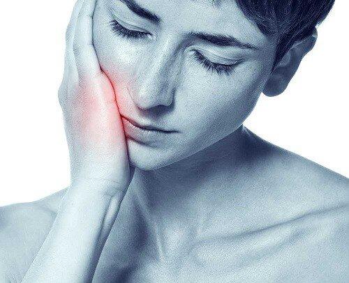 Bài thuốc chữa đau nhức răng cấp tốc tại nhà
