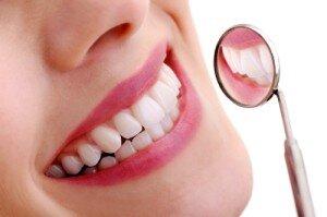 Bọc răng sứ cho răng thưa có được không ?
