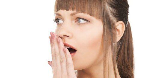 Cách điều trị hôi miệng sau khi bọc sứ hiệu quả