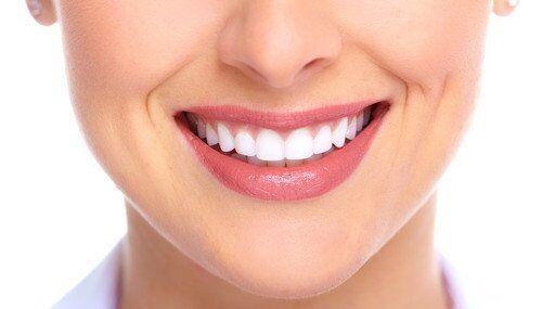 Cách ddieuf trị hôi miệng sau khi bọc răng sứ hiệu quả