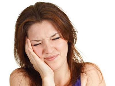 Ê buốt răng do bệnh lý răng miệng