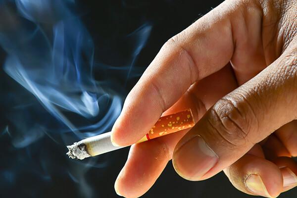 hút thuốc lá không nên trồng Implant
