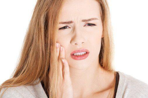 Làm răng sứ Cercon HT có đau không?