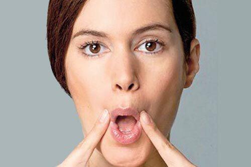 Mang hàm giả có ảnh hưởng gì tới việc phát âm không