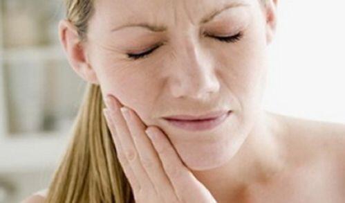 Mọc răng khôn khi mang thai có sao không?