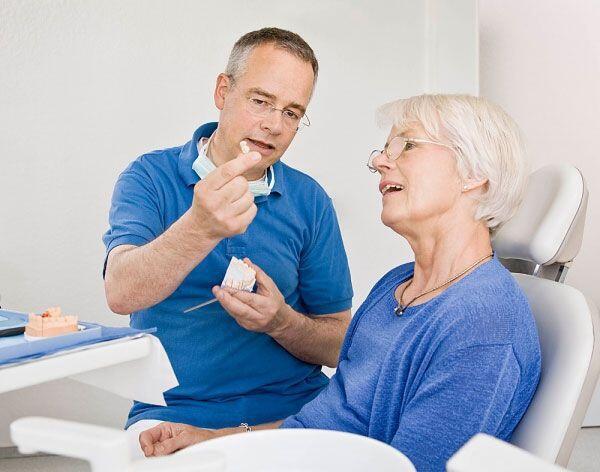 Cạo vôi răng có làm trắng răng không ?