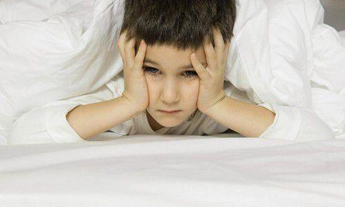 Những dấu hiệu khi trẻ sắp mọc răng sữa
