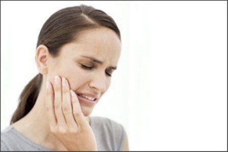 Bọc răng sứ có gây tai biến gì không ?