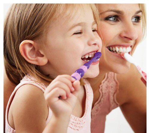Trẻ e có nên đánh răng sau khi ăn ?