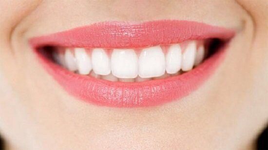 Tẩy trắng răng bằng laser whitening có hại không - 1