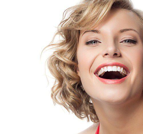 Tẩy trắng răng có tác hại gì không?