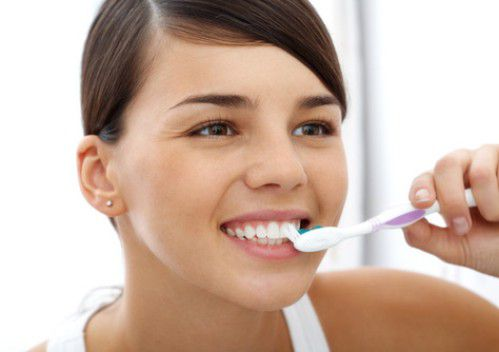 5 mẹo đơn giản khiến răng trắng sáng tự nhiên