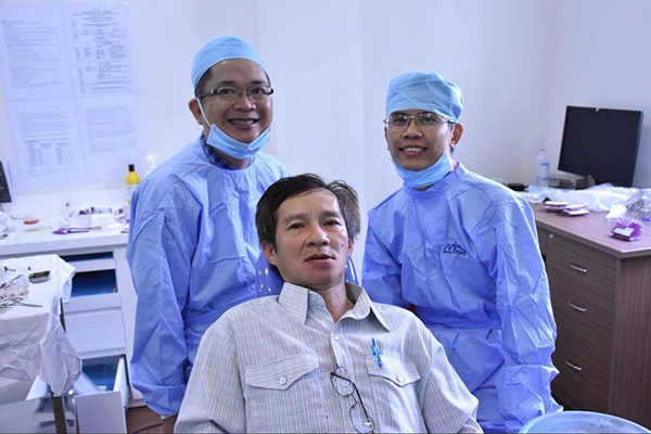 Trồng Implant