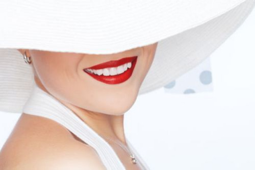 Tẩy trắng răng tại nhà hiệu quả với máng tẩy trắng